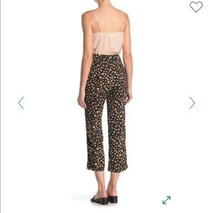 Dee Elly: NWT high waisted crop pants